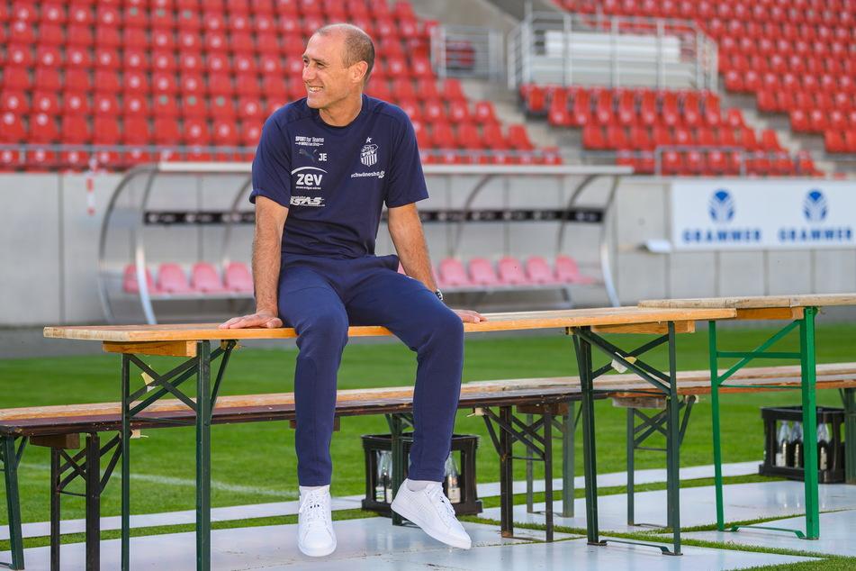 Lächelt entspannt vorm Saisonstart: FSV-Coach Joe Enochs (49).