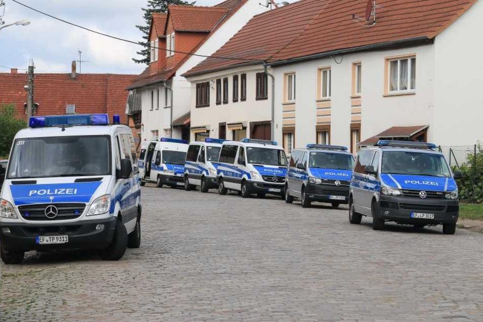 Die Polizei war mit einem Großaufgebot in Gebensee vor Ort.