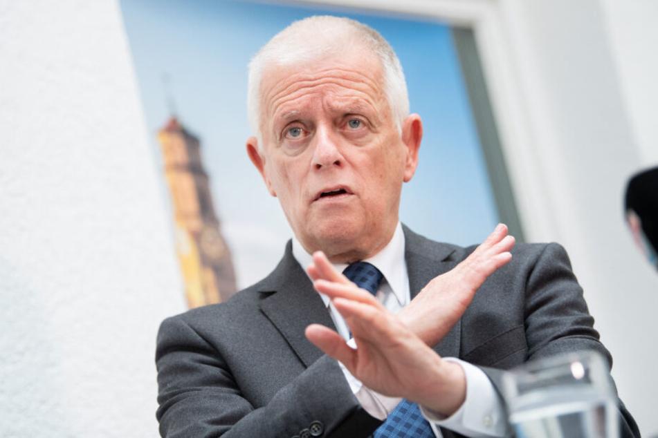 Der noch amtierende Oberbürgermeister Fritz Kuhn (64, Grüne) tritt nicht für eine zweite Amtszeit an.