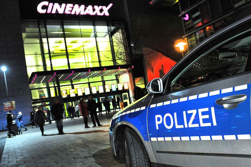 In der Nähe des Boulevards wurde ein 32-jähriger Bielefelder von fünf Zuwanderern niedergeschlagen.