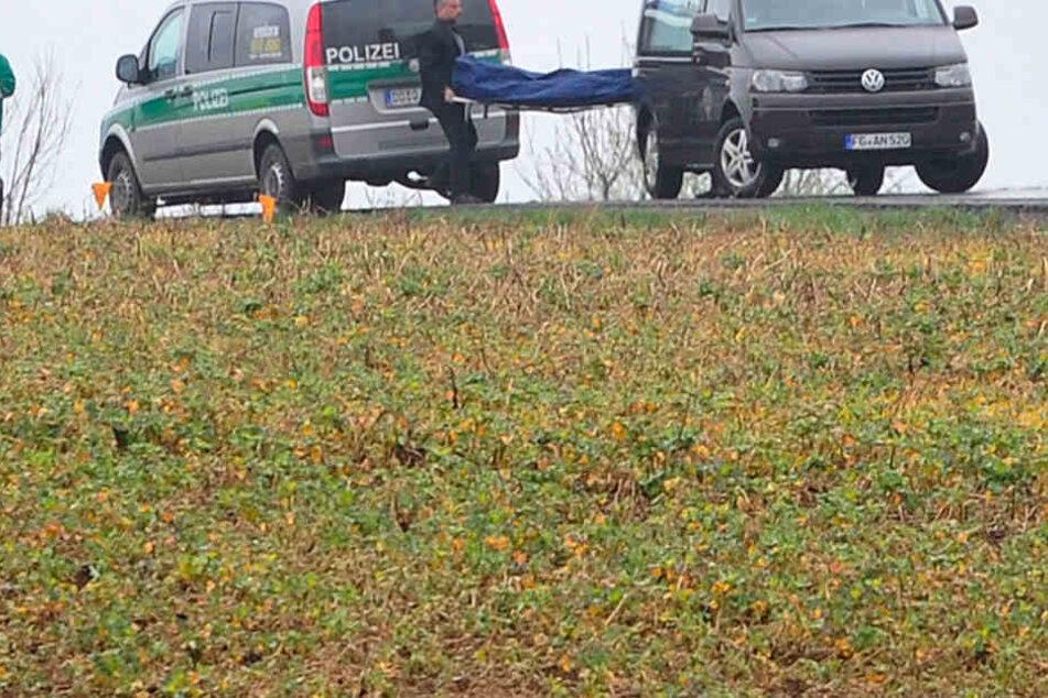 Auf einem Feld bei Schöpstal wurde eine menschliche Leiche entdeckt.