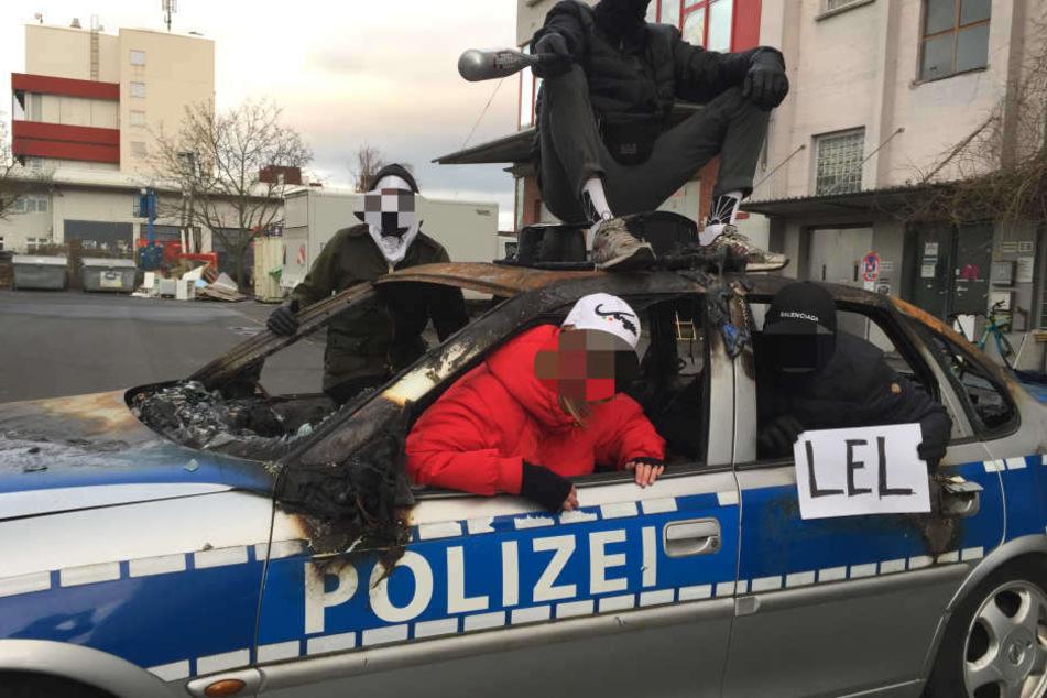 Die umstrittene Kunstaktion der Frankfurter Hauptschule erregt weiterhin die Gemüter.
