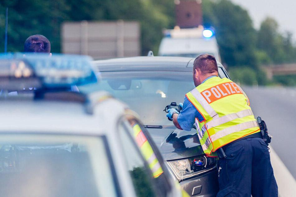 Immer wieder schnappt die Polizei Autodiebe auf den Autobahnen rund um Dresden.