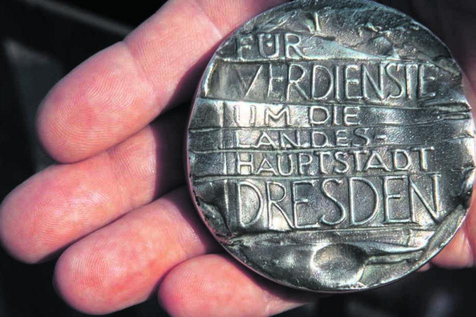 Ein halbes Kilo Silber: Roland  Kaiser bekommt heute die  Ehrenmedaille der Stadt Dresden.