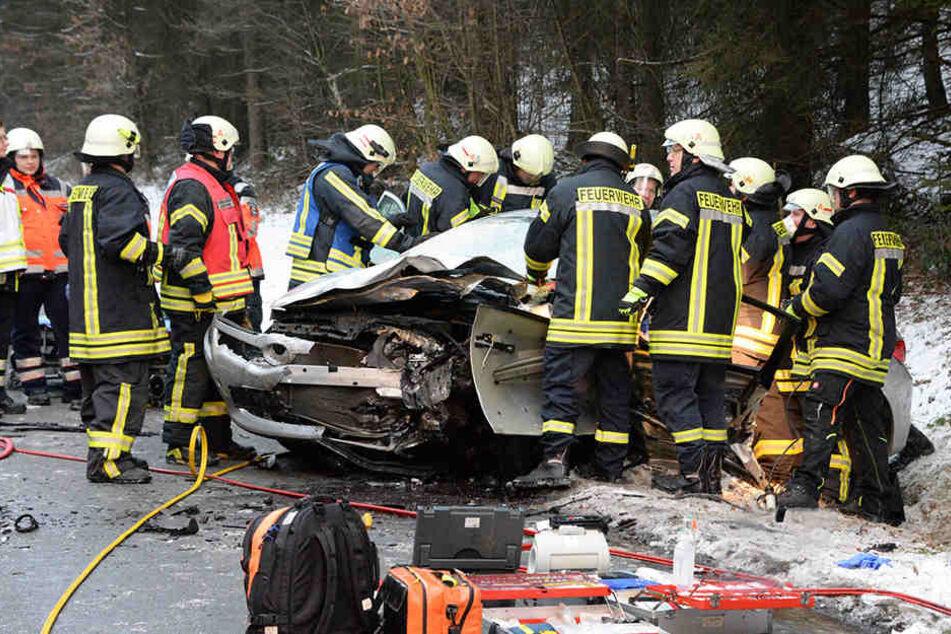 Mit schweren Verletzungen musste nach dem Unfall ein Mann ins Krankenhaus geflogen werden.