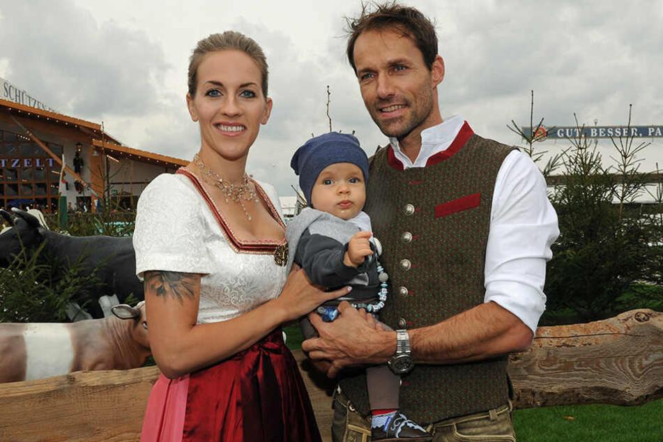Sven Hannawald mit seiner Familie: Frau Melissa und Sohn Len.