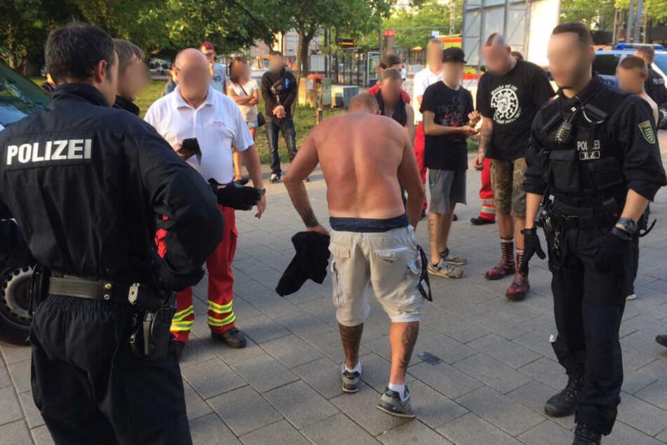 Der 33-jährige Deutsche (Mitte) wurde durch eine Eisenstange verletzt.