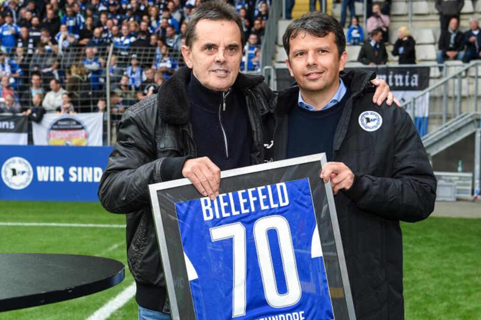 Am 8. Spieltag 8 gratulierte Samir Arabi Günter Neundorf zum 70. Geburtstag.