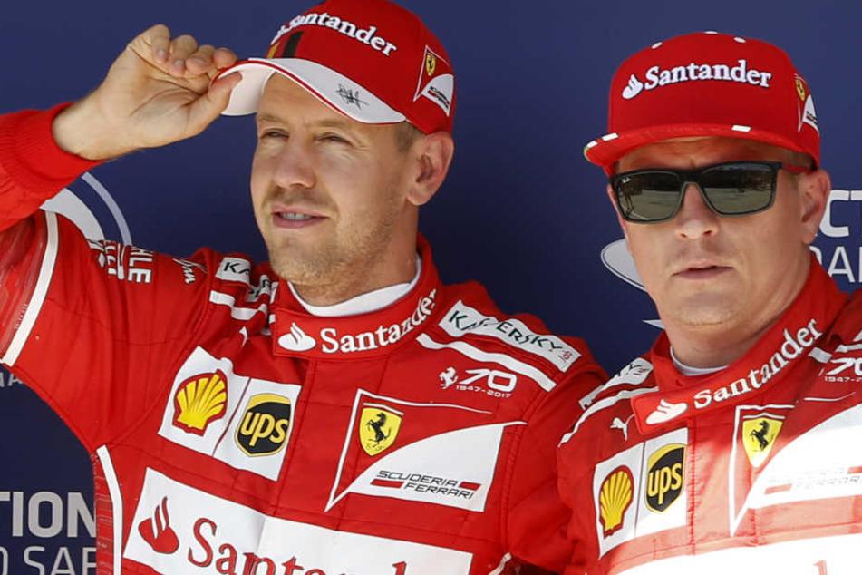 Sebastian Vettel (l.) und Kimi Räikkönen sind seit 2015 Teamkollegen. Doch damit ist bald Schluss.