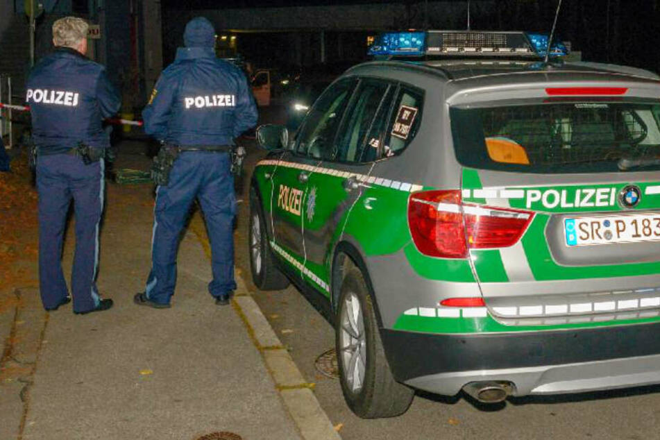 In Passau ist ein 33 Jahre alter Mann niedergestochen und tödlich verletzt worden.