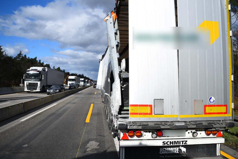 Unfall am Stauende: Autobahn gesperrt!