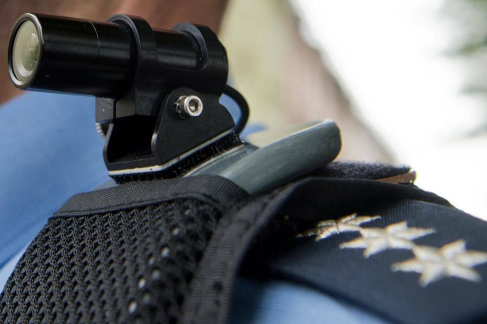 Der Polizei-Sprecher teilte außerdem mit, dass die beteiligten Polizisten den Vorfall mit Bodycams dokumentiert hätten. (Archivfoto)