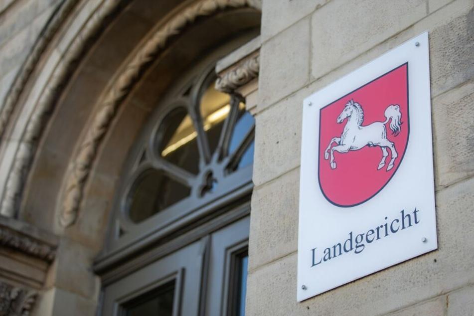 Vor dem Landgericht in Osnabrück müssen sich die beiden Angeklagten verantworten.