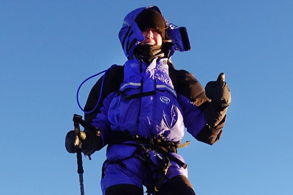 Die 26-jährige Anja Blacha steht am 21. Mai auf dem Gipfel des Mount Everest.