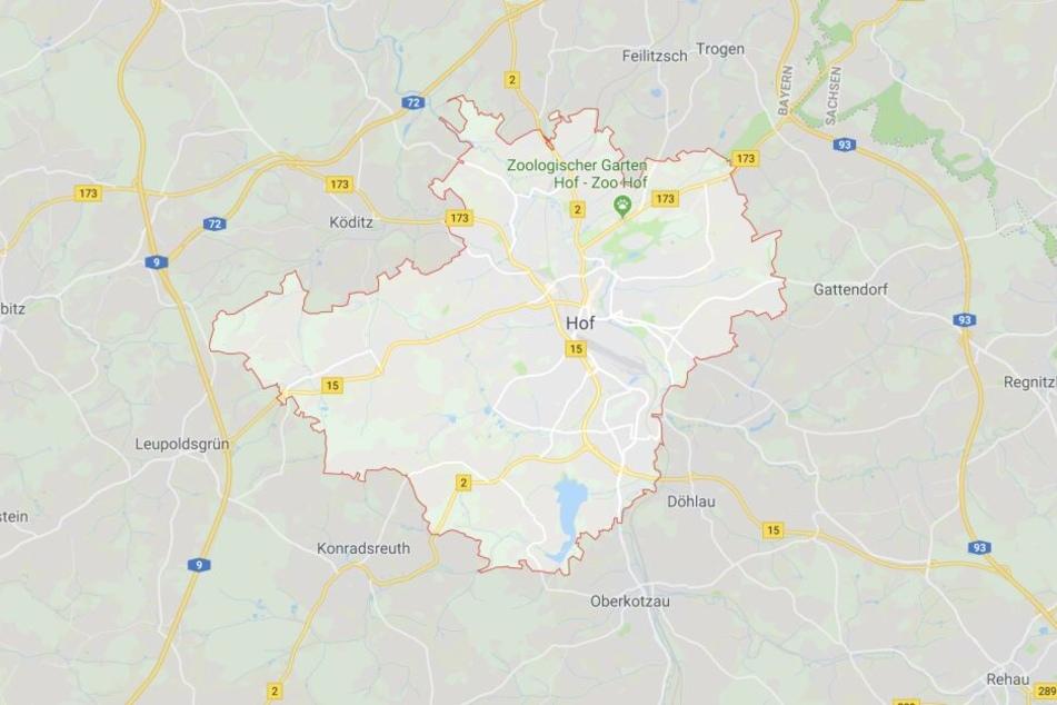 Eine betrunkene Frau hat in Hof in Bayern für einen Polizeieinsatz gesorgt.