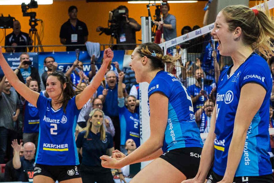 Jubel bei den Stuttgarter Volleyballerinnen: Zum ersten Mal Deutscher Meister!