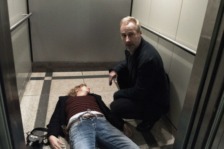 Im Zuge ihrer Ermittlungen gerät Janneke in Gefahr.