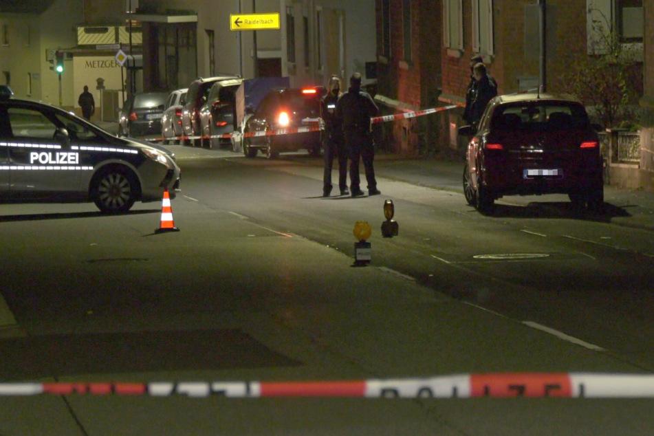 Bei einem Verkehrsunfall in Lautertal-Gadernheim ist am Montagabend ein Junge von einem Auto erfasst und verletzt worden.