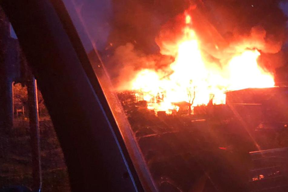 Flammenmeer am frühen Morgen: Feuerwehr-Einsatz in Gießen