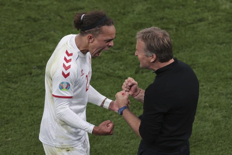 Mit seinem 2:0 leitete Yussuf Poulsen den Sieg für sein Land ein.