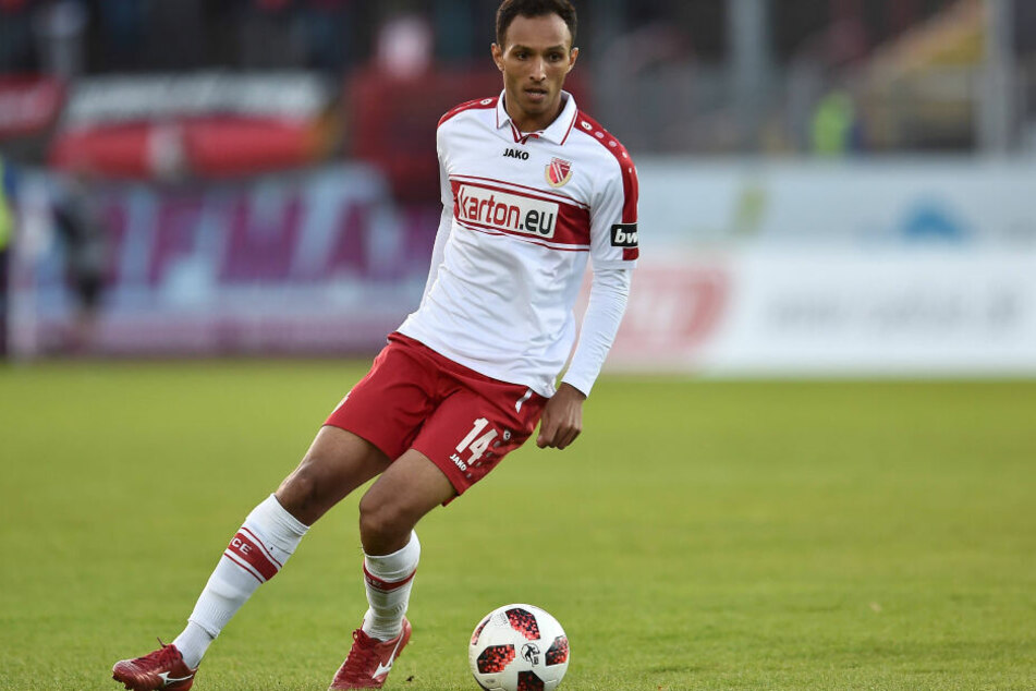 Marcelo de Freitas Costa soll in der kommenden Saison das Mittelfeld der Himmelblauen ankurbeln.