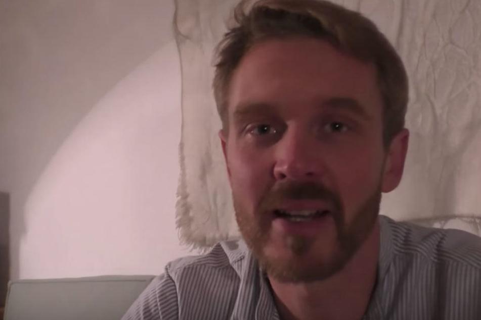 """Auf YouTube ist Nikolai N. als """"Der Volkslehrer"""" bekannt."""