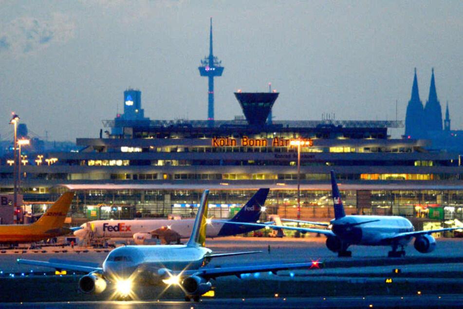 Die Frau wurde am Flughafen Köln / Bonn festgenommen.