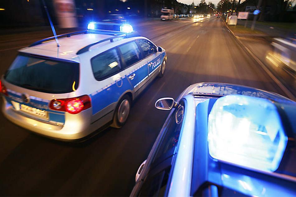 Verfolgungsjagd im Leipziger Norden: Transporter rammt Polizeiauto und rast davon