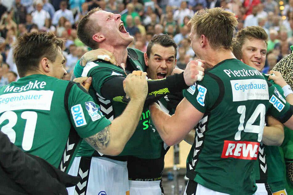Jubel bei den Spielern des DHfk: Sie fuhren in Hannover den 4. Sieg in Folge ein.