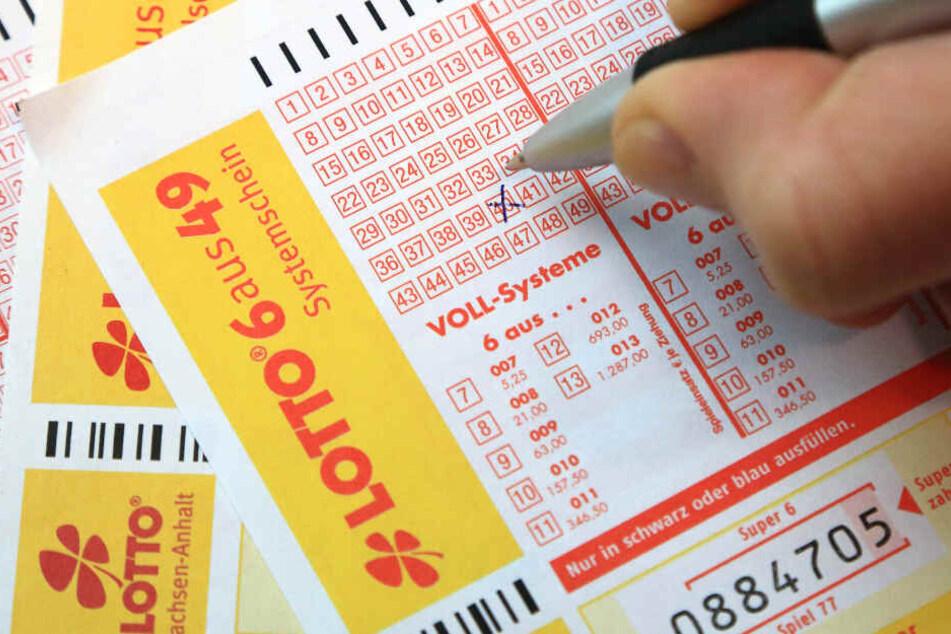 Sachse gewinnt 5,4 Mio. im Lotto, Tippgemeinschaft holt 2,3 Mio. Euro