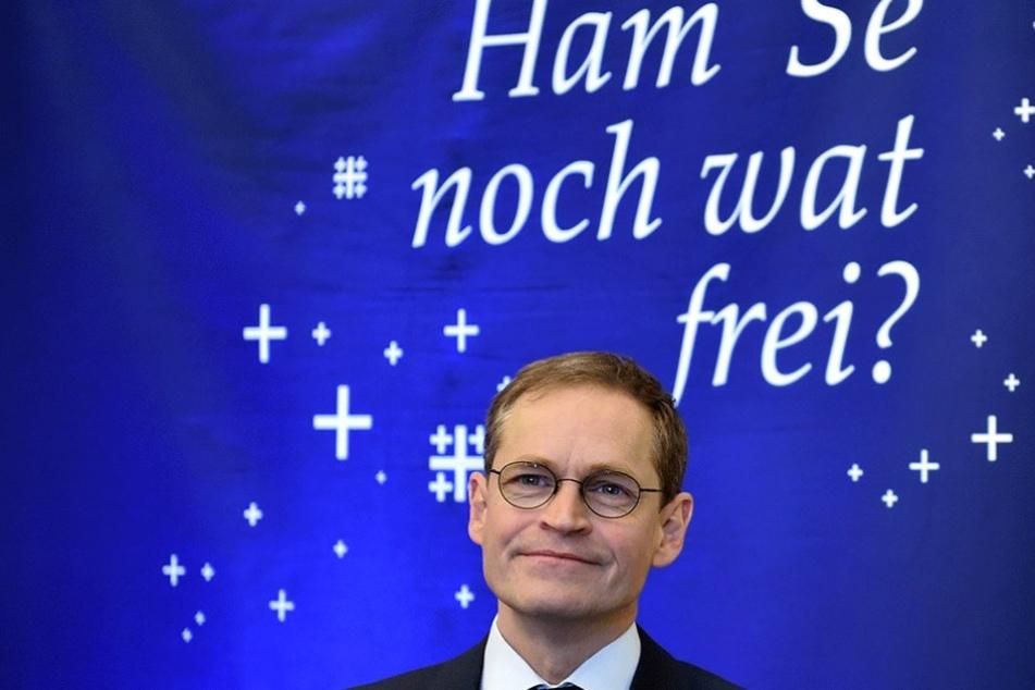 """Der Regierende Bürgermeister Michael Müller (SPD) bei der Vorstellung der Privatquartier-Kampagne """"Ham· Se noch wat frei?"""""""