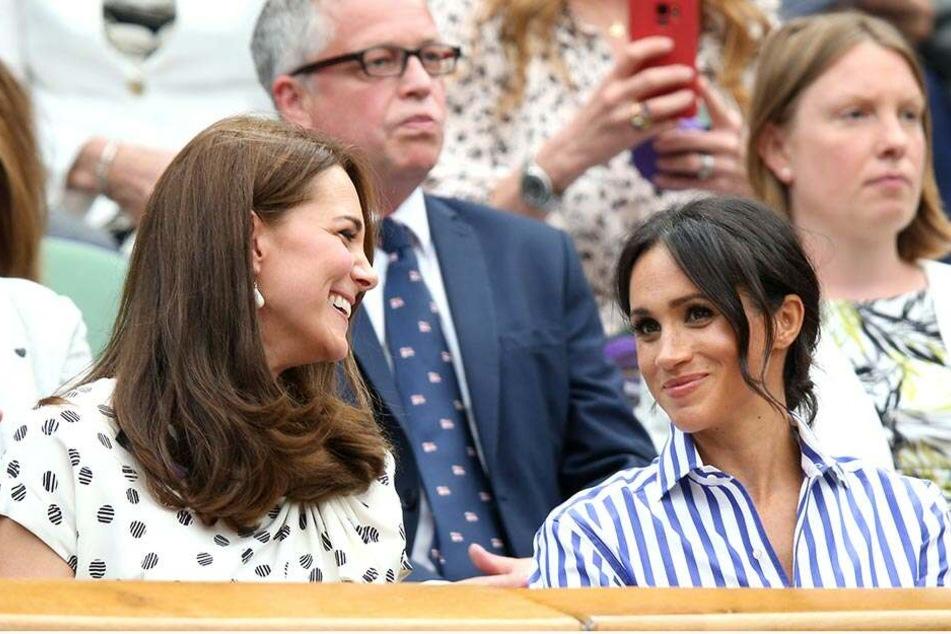 Kate Middleton (37) und Meghan Markle (37) beim Tennisturnier Wimbledon