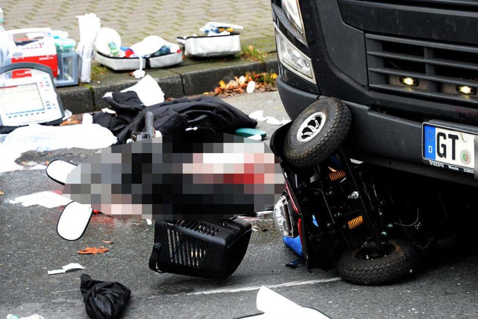 Schrecklicher Unfall: Rollstuhlfahrer von Truck erfasst