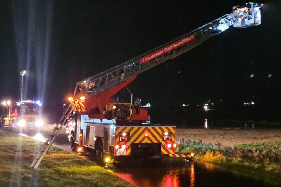 Die Feuerwehr suchte nach Mutter und Sohne im Watt. (Archivbild)