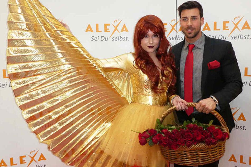 Leonard Freier verteilte am Valentinstag in einem Berliner Einkaufszentrum viele Rosen.