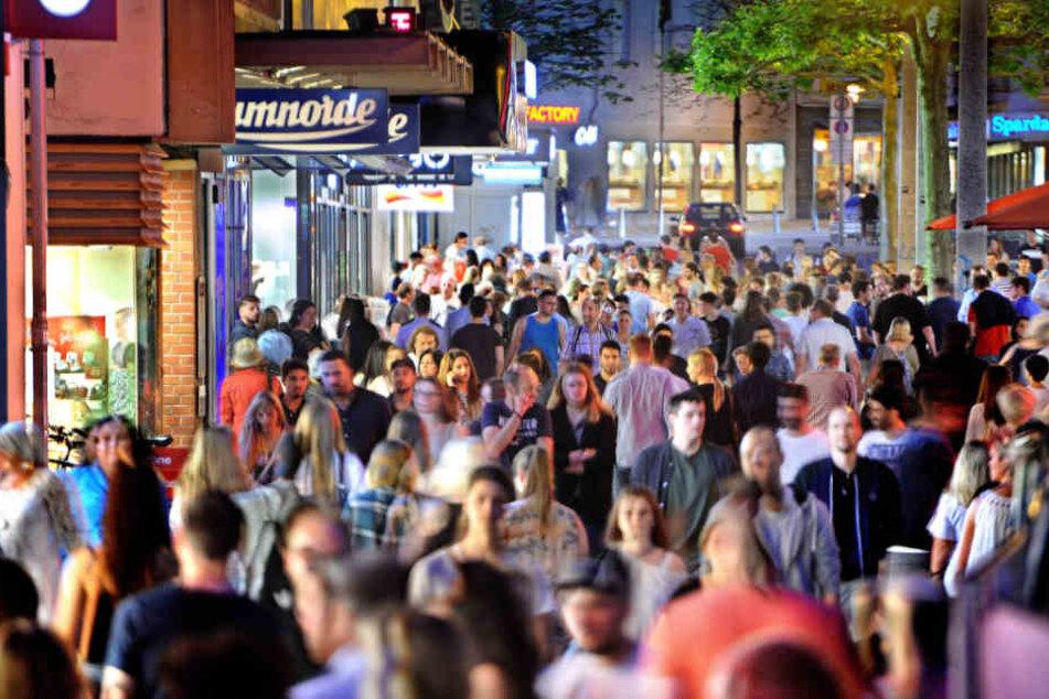 ...als auch das Mitternachts-Shopping waren in Bielefeld stets ein voller Erfolg.