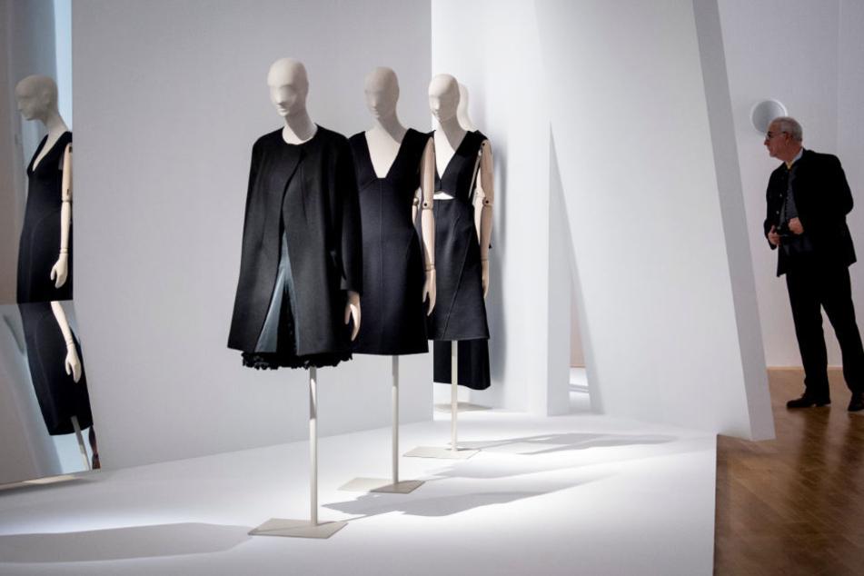 Eine Ausstellung in Frankfurt am Main hat Mode von Jil Sander gezeigt.