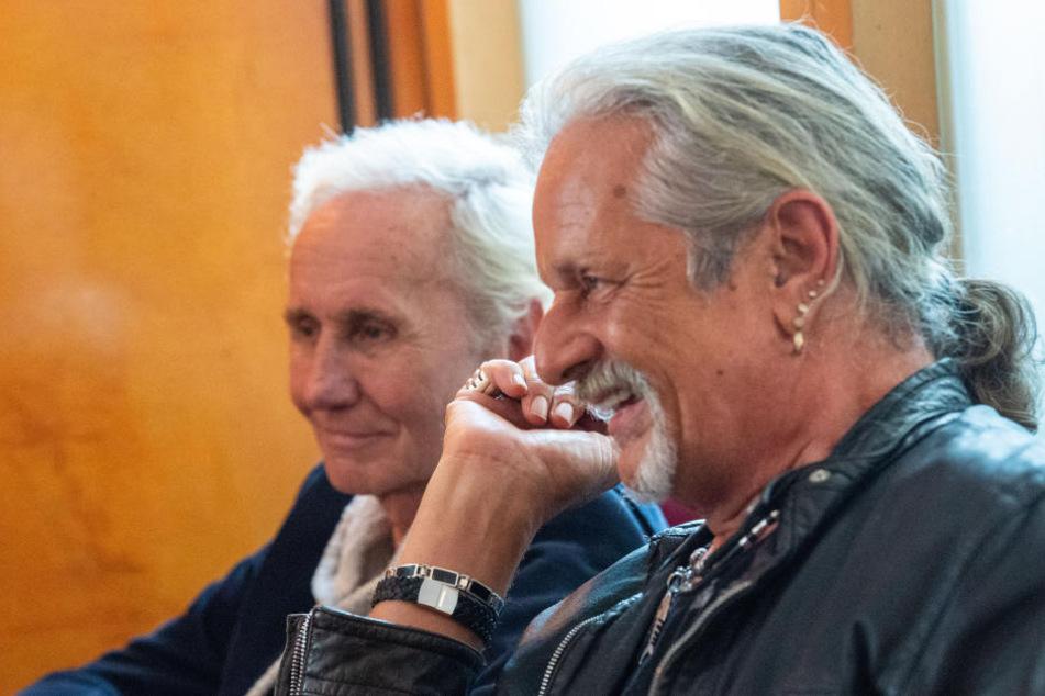 Klaus Eberhartinger (68, l) und Thomas Spitzer (65, r) von EAV bei einem Interview.