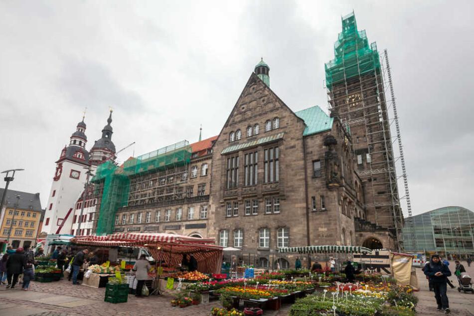 Der Unfall passierte in der Nähe des Rathauses. (Archivbild)