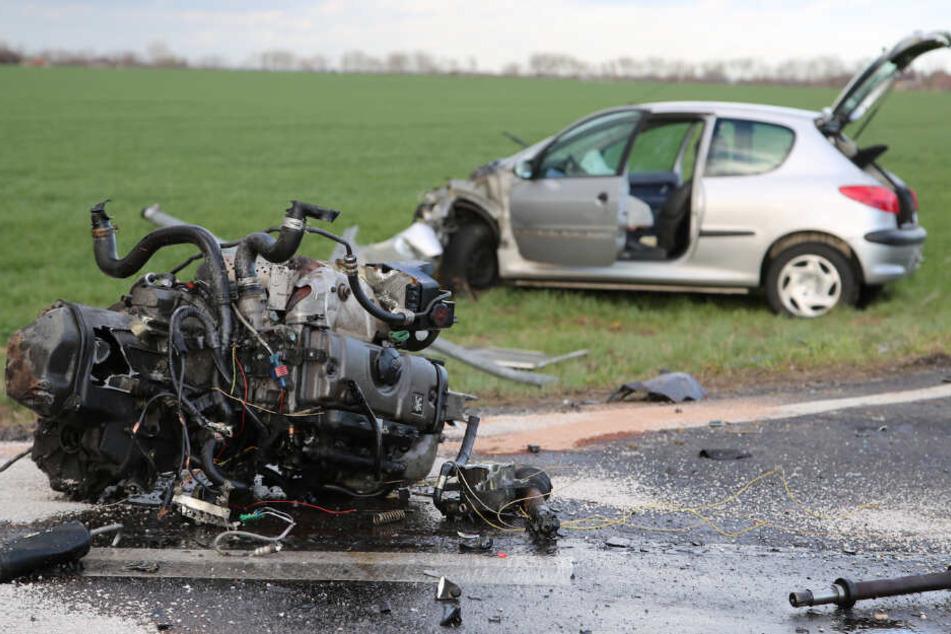 """Der Motor des einen Wagens wurde regelrecht """"herausgefetzt"""""""