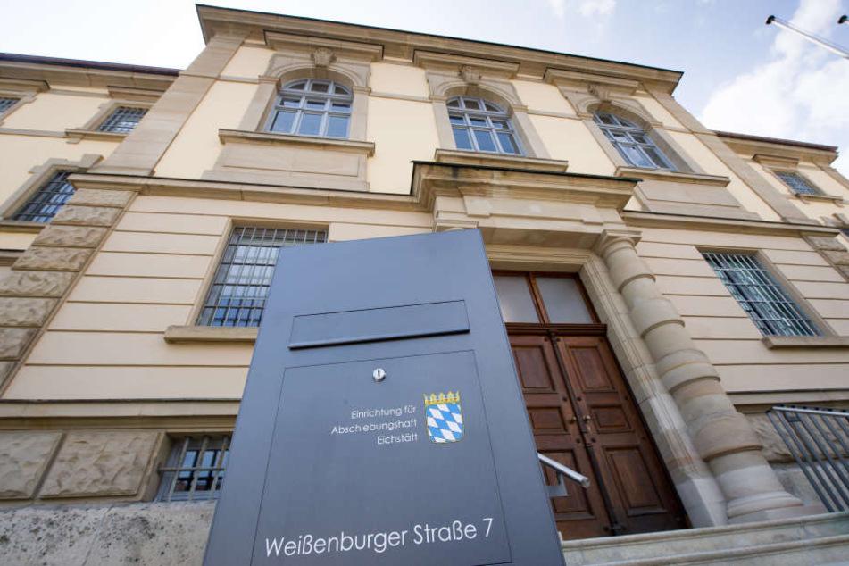 Die Abschiebehaftanstalt in Eichstätt wurde von den Häftlingen zerstört.