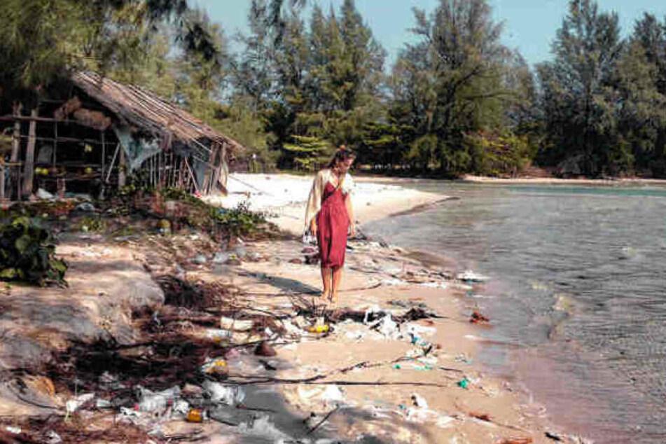 Gina (25) am Strand in Kambodscha.