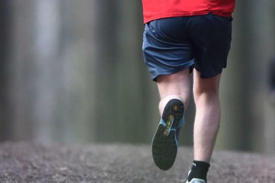 Jogger im Wald überfallen und schwer verletzt