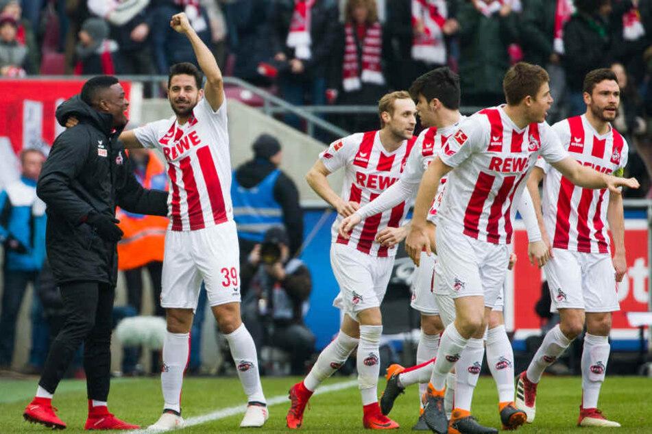 Bereits nach sieben Minuten traf Claudio Pizarro (2. v.l.) zum 1:0 für Köln.