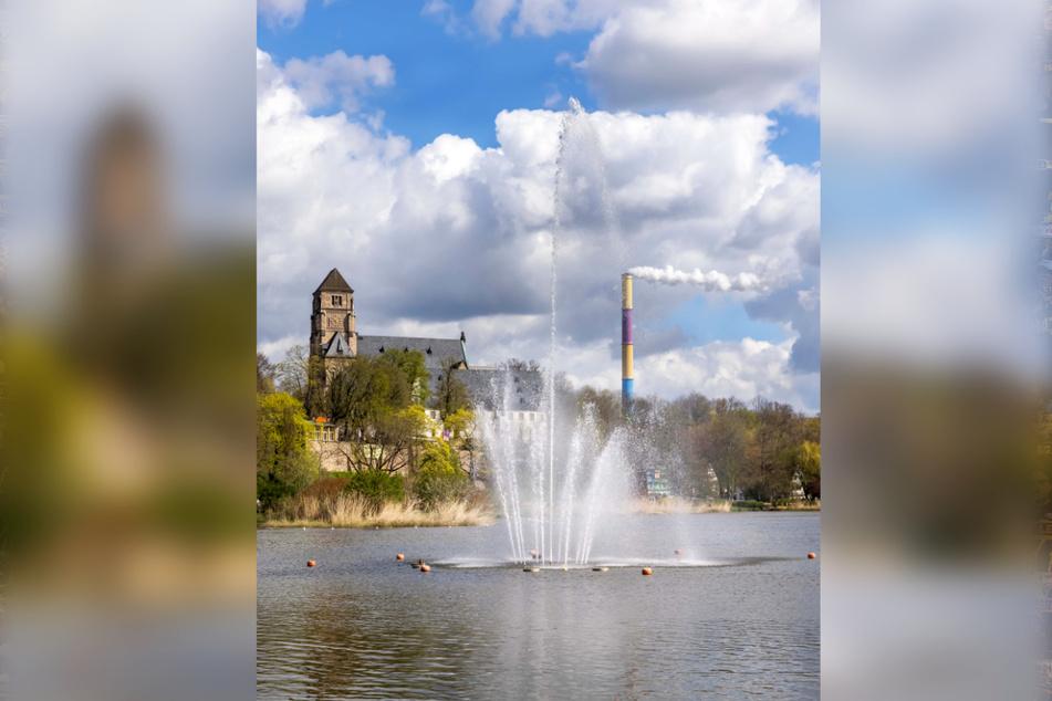 Hoch hinaus: Der Chemnitzer Schlossteichbrunnen setzt auf Fontänen.