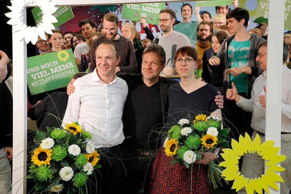 Das grüne Spitzenduo für die Landtagswahl: Katja Meier und Wolfram Günther. In der Mitte Robert Habeck.