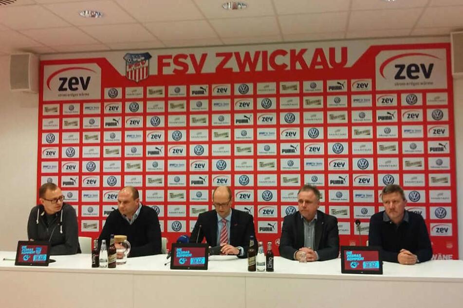 Von Links: Daniel Sacher, David Wagner, Tobias Leege, Frank Fischer und Ingo Kursawe