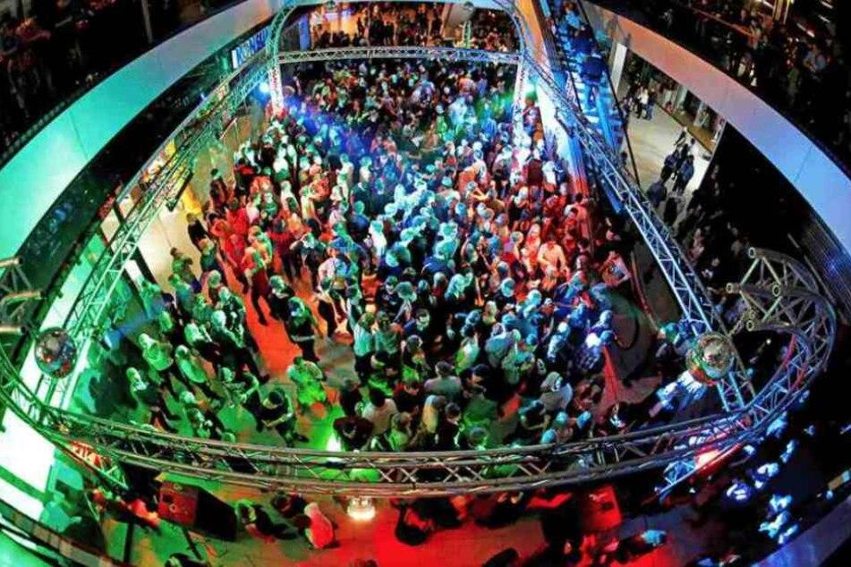 In der Centrum Galerie wird zu R&B, HipHop, House und Schlager gefeiert.