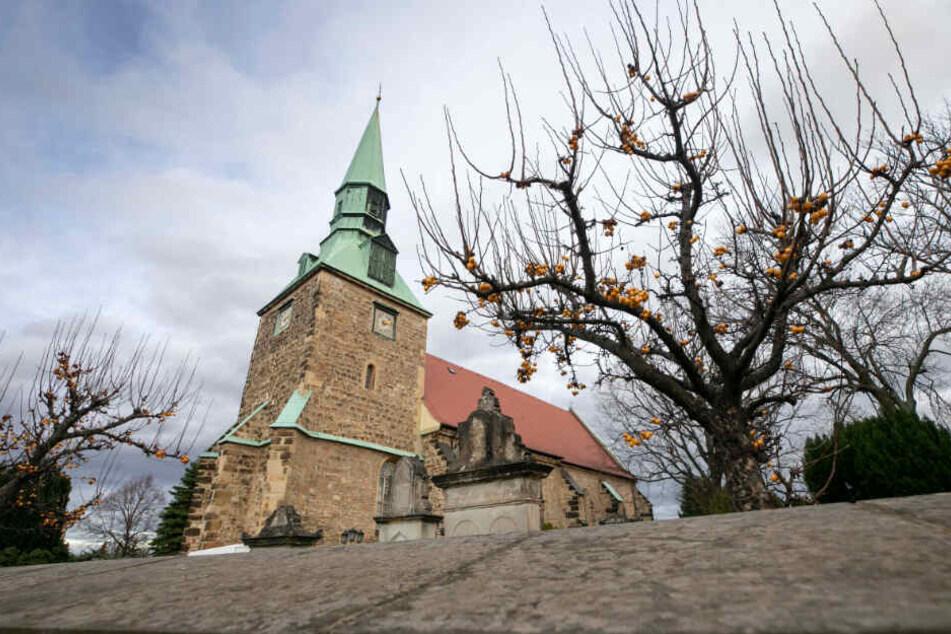 Die Leubnitzer Kirche ist eine der ältesten Dorfkirchen Dresdens und eine der bemerkenswertesten in Sachsen.