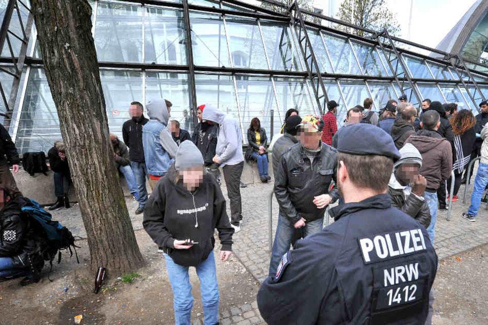 Immer wieder kommt es an der Stadtbahnhaltestelle Hauptbahnhof zu Polizeirazzien.